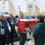 Copiii din județ au primit daruri din partea funcționarilor Consiliului Județean Călărași  Felicitări tuturor pentru bunătate!